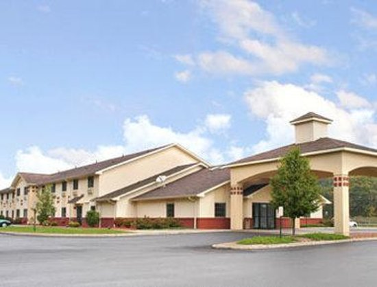 Super 8 Highland NY: Welcome to the Super 8 Highland