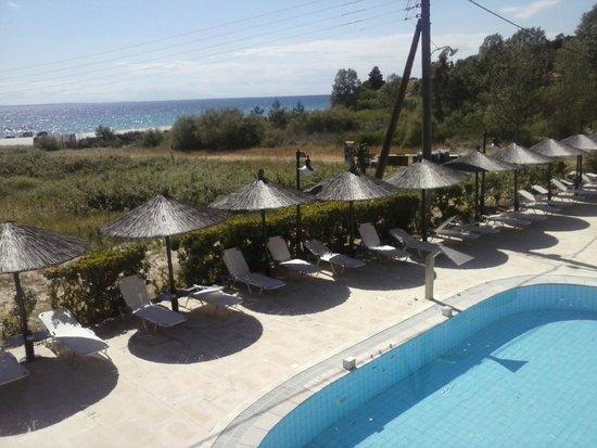 Hotel Makednos: πισινα