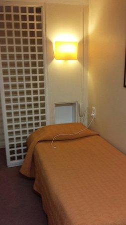 Hotel Charing Cross: Petit lit
