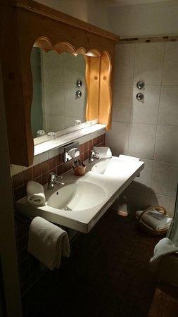 BEST WESTERN PLUS Berghotel Rehlegg: Waschbecken