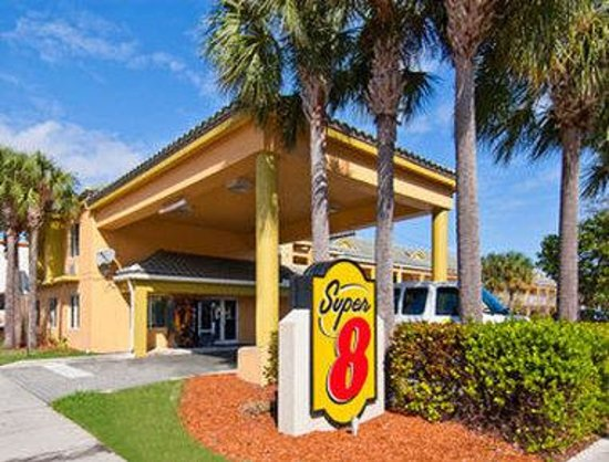 Super 8 Dania Fort Lauderdale Airport Port Everglades: Welcome to the Super 8 by Wyndham Dania Beach/ Ft Lauderdale Airport & Cruise Port