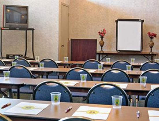 Super 8 by the Galleria / North Dallas: Meeting Room