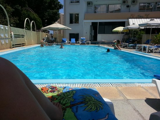 San Remo Hotel : fantastic swimming pool