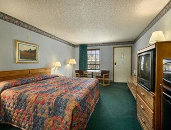 Super 8 Springdale AR: King Bed Room with MicroFridge