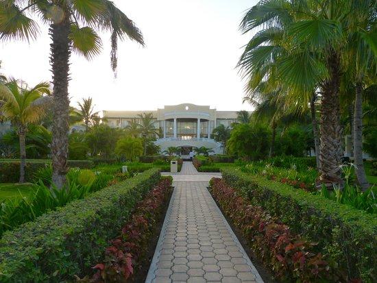 Dreams Tulum Resort & Spa: Main hotel building