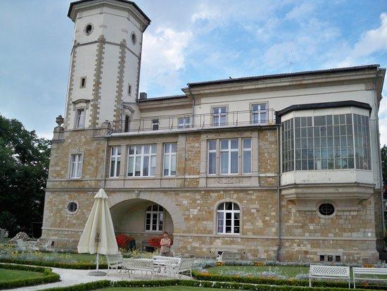 Palac Brunow: Hotel z boku