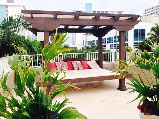 Beautiful & Relaxing Cabanas on the Sun Deck @ La Casa Del Mar