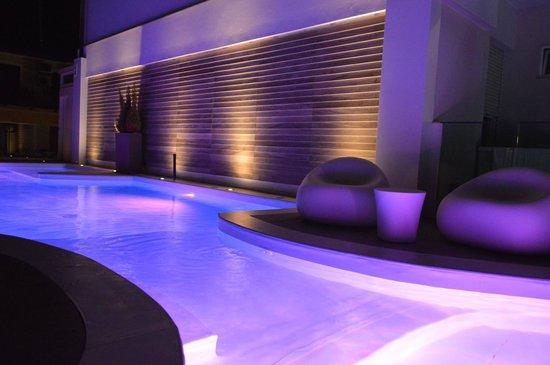 Hotel Villa Paola: piscina ai sali di potassio e magnesio