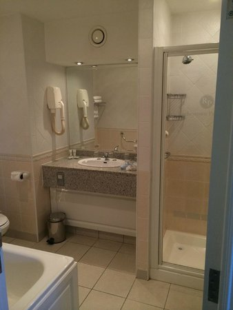 Rochestown Park Hotel: Nice Bathroom