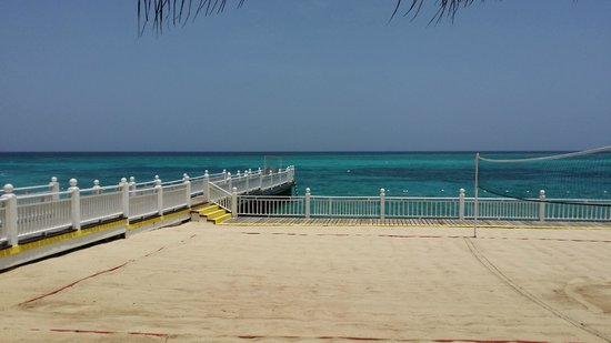 Royal Decameron Montego Beach : Beach Volleball area