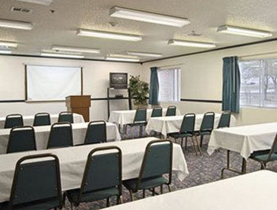 Super 8 McKinney/Plano Area: Meeting Room