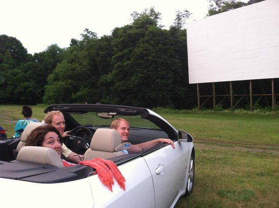 Hyde Park, Nova York: drive - in theatre / auto cine