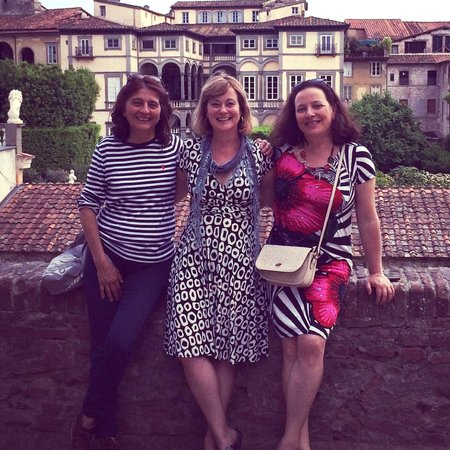 Melissa la studentessa matta with the teachers of Lucca Italian School