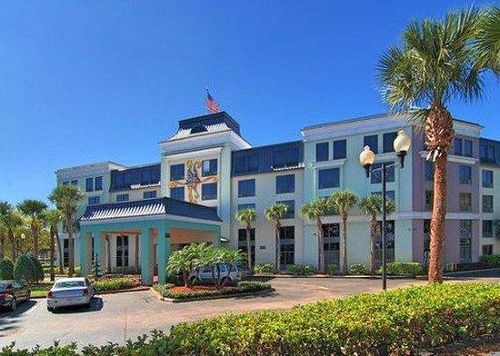 Exterior Picture Of Quality Suites Royale Parc Suites Kissimmee Tripadvisor