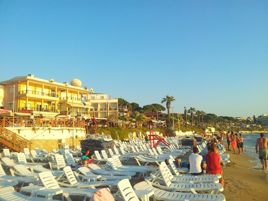 Palmera Hotel: Ladies beach 10 minute walk