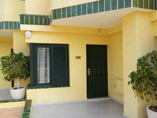 Barranco Apartments : front door of the apartment