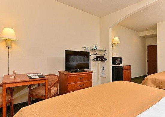 Quality Inn & Suites Hershey: room11