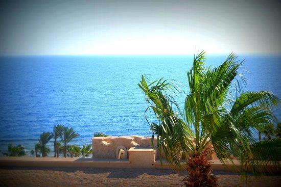 Citadel Azur Resort: Море