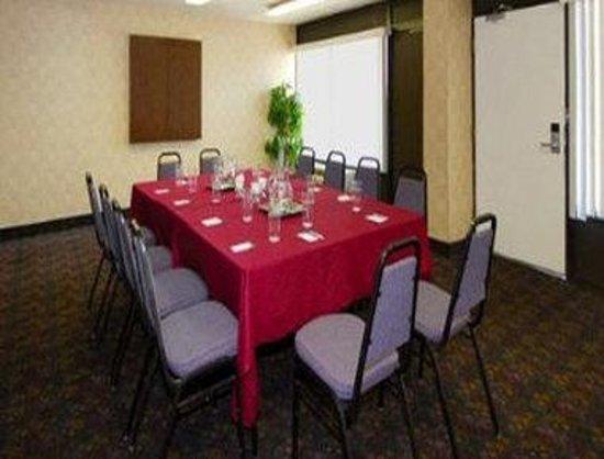 Knights Inn Baltimore West: Meeting Room