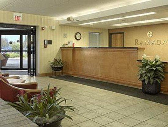 Ramada Indianapolis Airport : Lobby