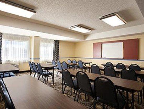 Days Inn & Suites Rancho Cordova: Meeting Room