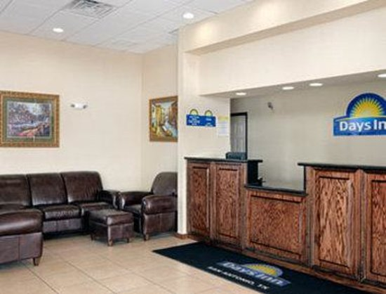 Days Inn N.W. Medical Center: Lobby