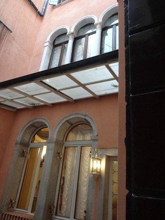 Locanda Ca' Le Vele: the courtyard