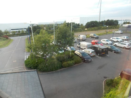 Ibis Rugby East: Large free car park ( not for coaches )