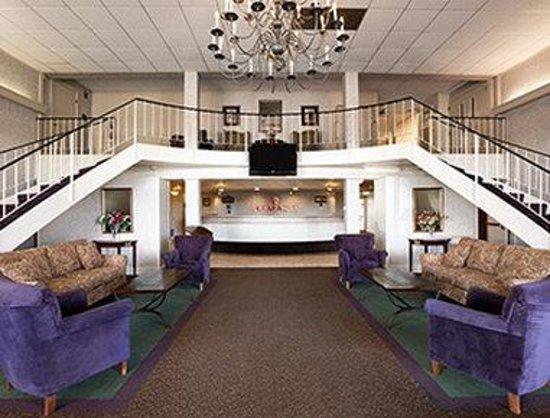Ramada Bangor: Lobby