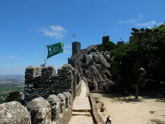 Castle of the Moors : Стены замка мавров