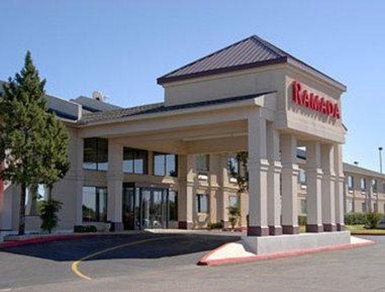 Magnuson Hotel Oklahoma City South: Welcome to the Ramada Oklahoma City South