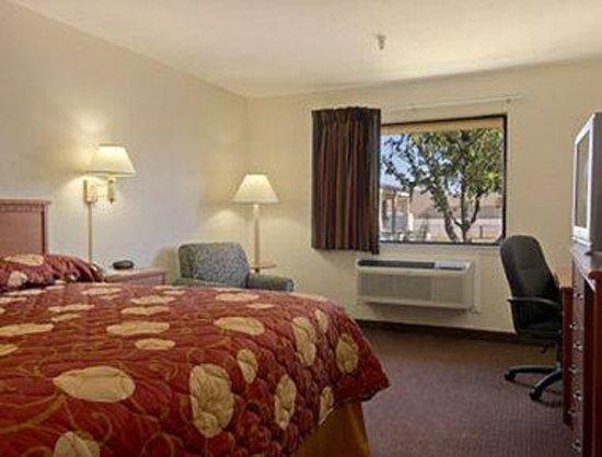 Magnuson Hotel Oklahoma City South: Standard King Bed Room