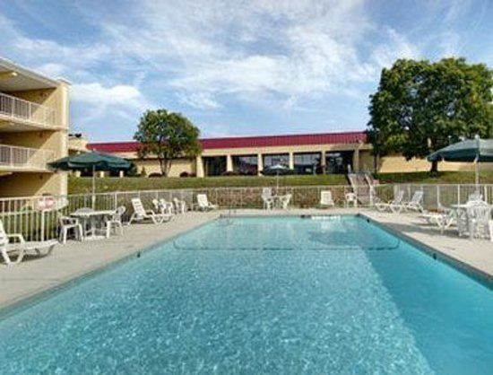 Winstay Inn and Suites: Welcome to the Days Inn Maysville