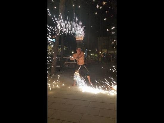 Hotel Pine Valley : fire show at pine valley