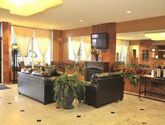 Ramada Newburgh/West Point: Lobby