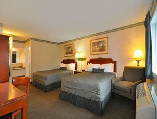 Ramada Limited Monterey : Guest Room with 2 Queen Beds