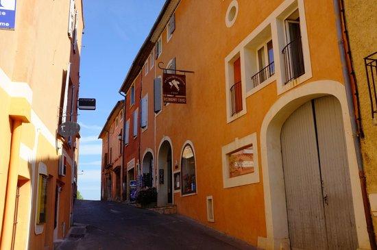 Le Clos de la Glycine : Hotel entrance