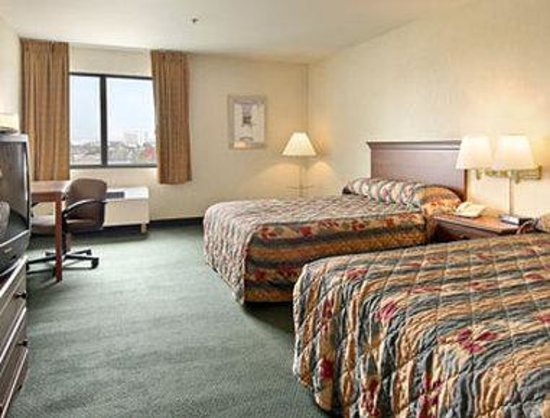 Ramada Hawthorne/LAX : Standard Two Double Bed Room