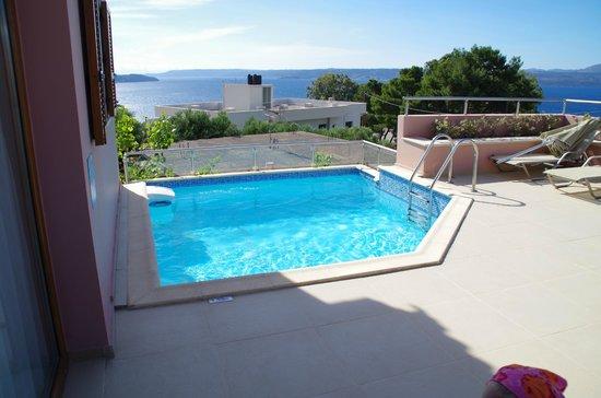 Leste Luxury Homes: Balcony and pool area