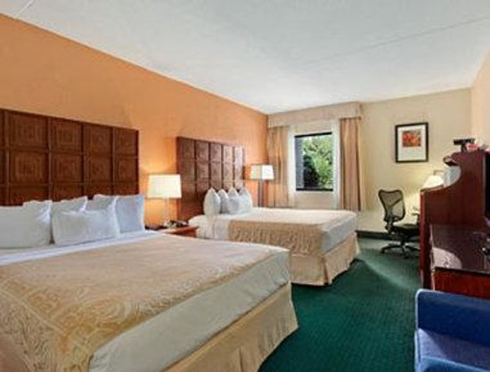 Ramada Columbus Polaris: Standard Two Double Bed Room