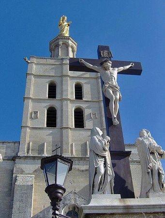 Cathedrale Notre-Dame des Doms: Avignon Cathedral