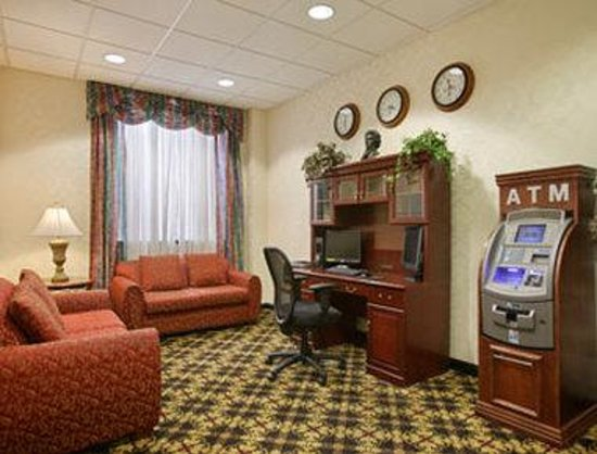 Ramada Jersey City: Business Center