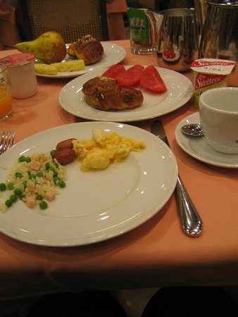 Michelangelo Hotel: Amazing breakfast buffet