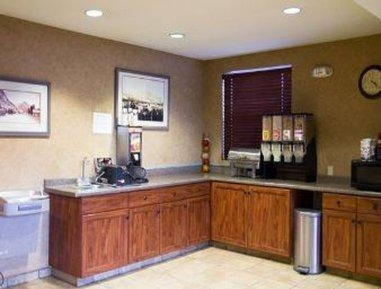 Ramada Frisco: Breakfast Area