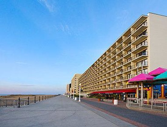 Ramada Virginia Beach Oceanfront : Exterior