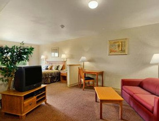 Quinault Sweet Grass Hotel: King Suite