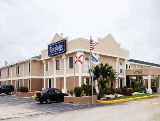 Welcome To Travelodge Fort Myers