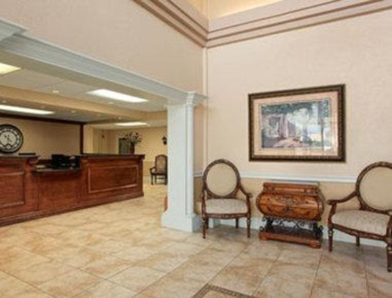 Travelodge Fort Myers: Lobby