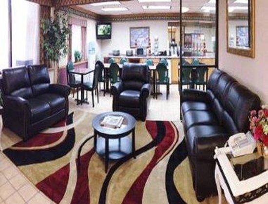 Baymont Inn & Suites Plano: Lobby
