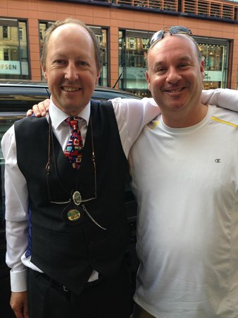 London Black Taxi Tours : At The End of Our Tour - I am Very Very Happy!  I 6 out of 5 Stars!